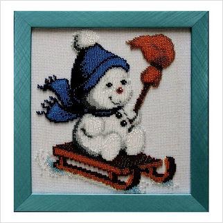 """Вышитая бисером картина """"Снеговик на санках"""""""