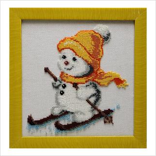 """Вышитая бисером картина """"Снеговик на лыжах"""""""
