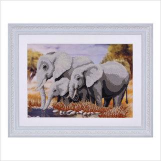 """Вышитая бисером картина """"Слоны"""""""