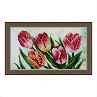 """Вышитая бисером картина """"Весенние тюльпаны"""""""