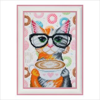 """Вышитая бисером картина """"Кофейная кошка"""""""