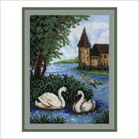 """Вышитая бисером картина """"Лебеди у замка"""""""