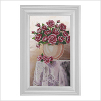 """Вышитая бисером картина """"Розы в вазе"""""""