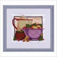 """Вышитая бисером картина """"Посуда с ягодами"""""""