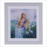 """Вышитая бисером картина """"Мадонна с лилиями"""""""