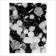 Мікс пресованих намистин (білий, чорний)