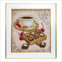 """Вышитая бисером картина """"Конфеты к кофе"""""""